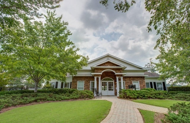 Barrington Apartment Homes - 5775 Summer Place Pkwy, Hoover, AL 35244