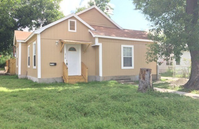 """1719 W Mariposa Dr - 1719 West Mariposa Drive, San Antonio, TX 78201"""