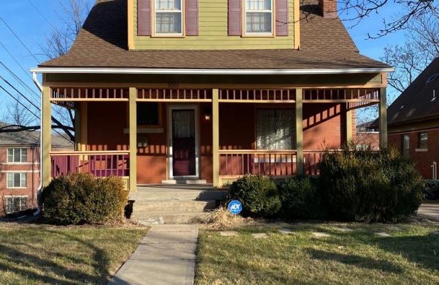 3001 Oak St. - 3001 Oak Street, Kansas City, MO 64108