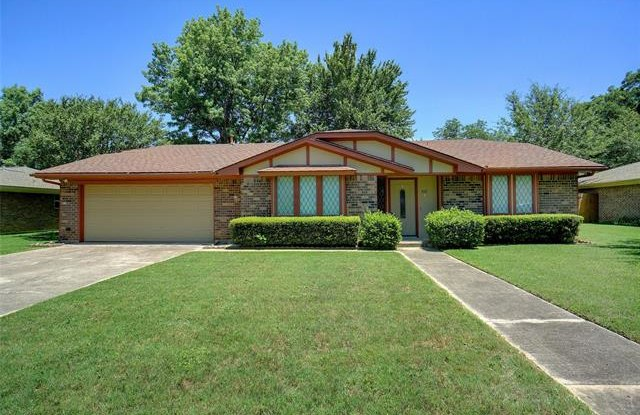 513 Eudaly Drive - 513 Eudaly Drive, Colleyville, TX 76034