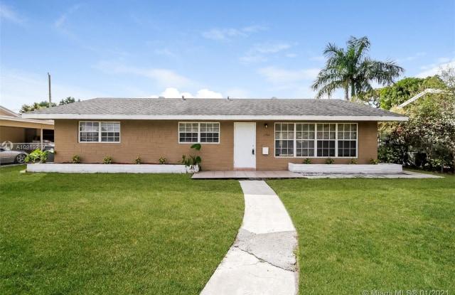 4962 Pineaire Ln - 4962 Pineaire Lane, Palm Beach County, FL 33417