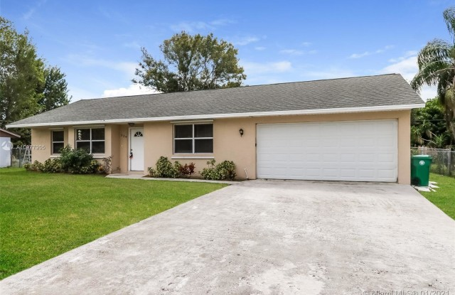 524 SW Buswell Ave - 524 Southwest Buswell Avenue, Port St. Lucie, FL 34983
