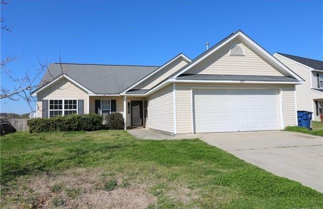 229 Glencroft Drive - 229 Glencroft Drive, Wingate, NC 28174