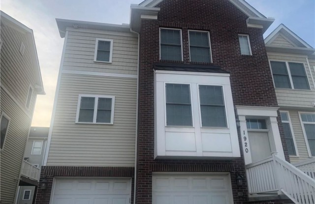 1920 East 86 St - 1920 East 86th Street, Cleveland, OH 44106