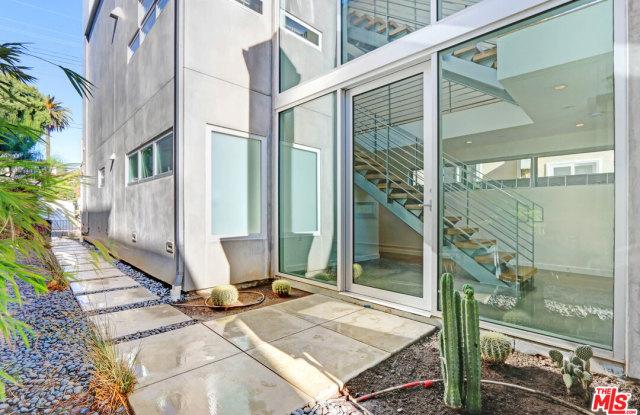 746 Marine St - 746 Marine Street, Santa Monica, CA 90405