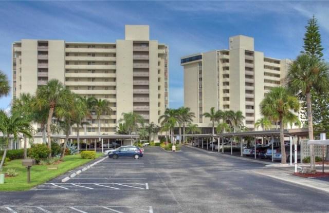 19 WHISPERING SANDS DRIVE - 19 Whispering Sands Drive, Siesta Key, FL 34242