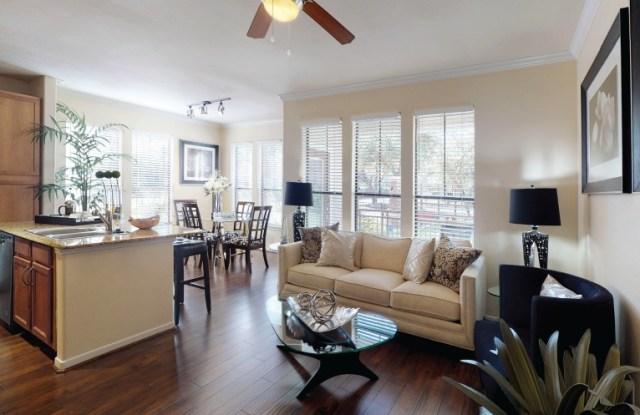 Tanglewood at Voss - 7510 Burgoyne Rd, Houston, TX 77063