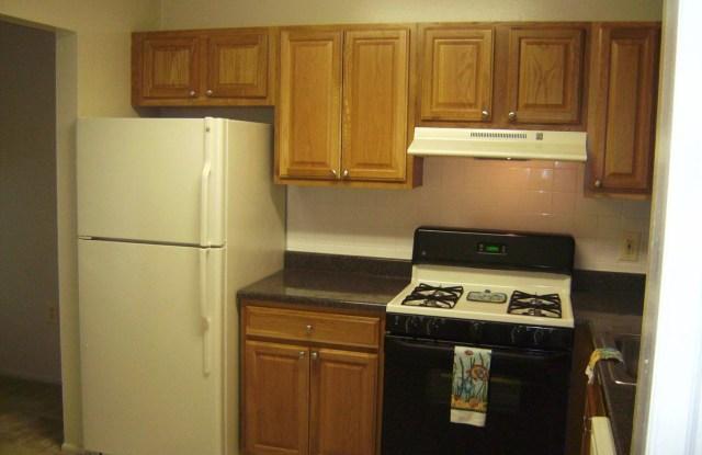 Portabello Apartments - 6441 Livingston Rd, Oxon Hill, MD 20745