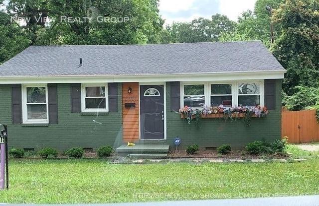 2039 Camp Greene St - 2039 Camp Greene Street, Charlotte, NC 28208