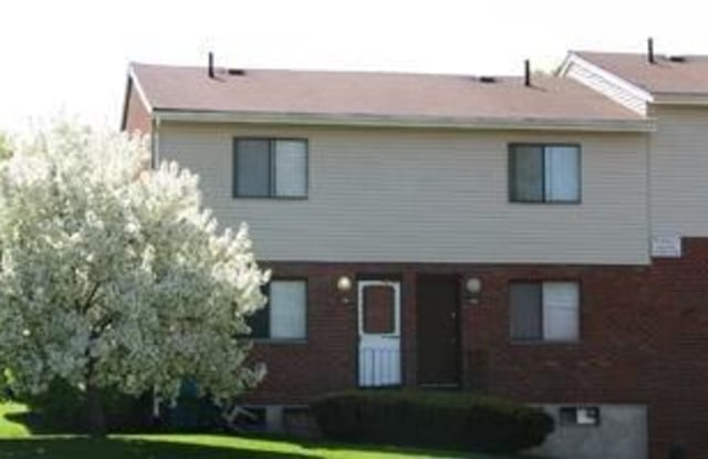 Stonegate - 204 Winfield Dr, New Britain, CT 06053