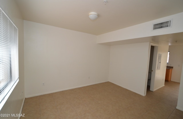4327 E Bellevue Street - 4327 East Bellevue Street, Tucson, AZ 85712