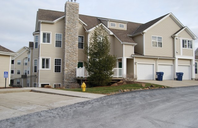 Hills Of Aberdeen - 247 Marcliffe Dr, Valparaiso, IN 46385