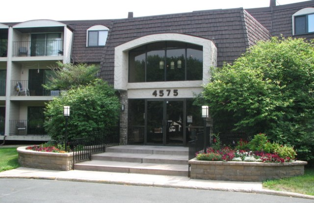 4575 W 80th Street Cir Apt 241 - 4575 West 80th Street Circle, Bloomington, MN 55437