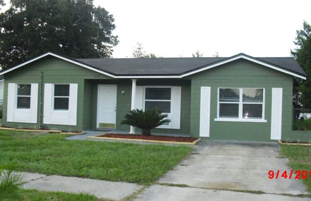 8126 Chaucer Court - 8126 Chaucer Court, Jacksonville, FL 32244