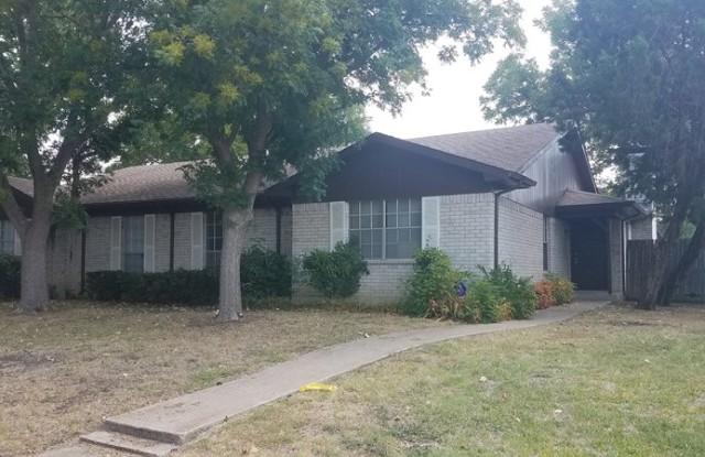 4305 Segura Ct S - 4305 Segura Court South, Fort Worth, TX 76132