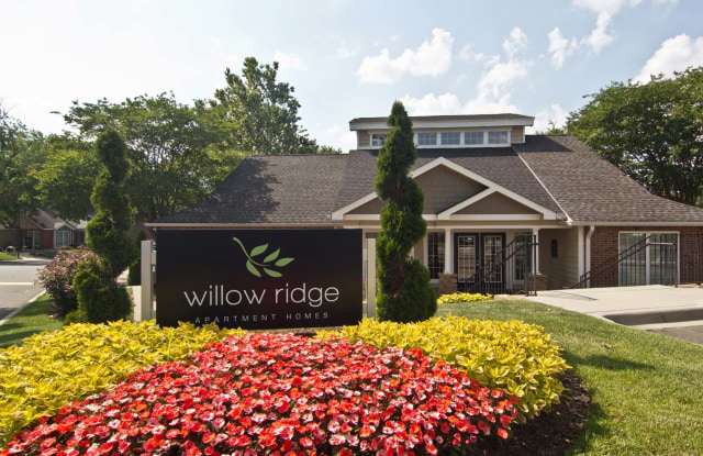 Willow Ridge Apartments - 9200 Willow Ridge Rd, Charlotte, NC 28210