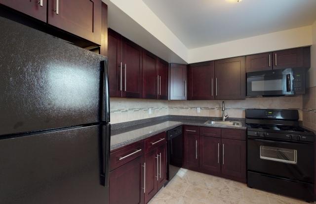 Kings Gardens Apartments - 24 Walter Dr, Avenel, NJ 07001