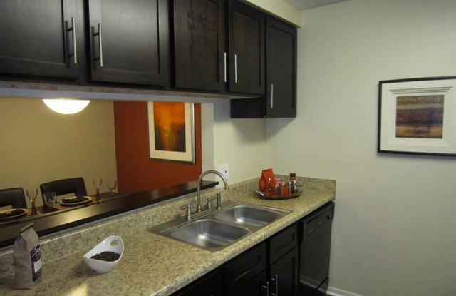 Tuscany Pointe Tampa - 3350 West Hillsborough Ave, Tampa, FL 33614