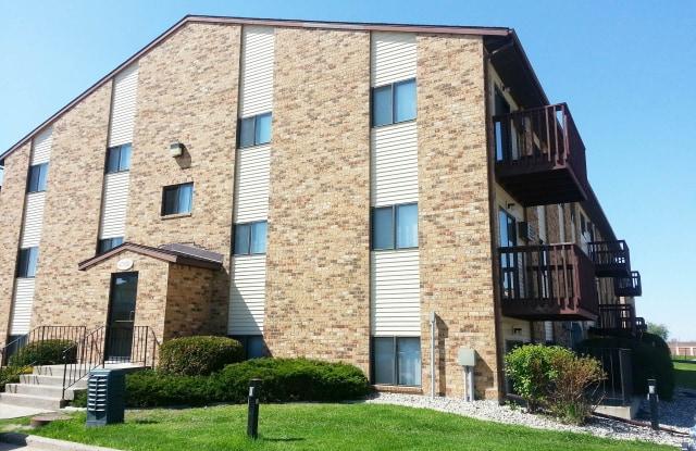 Westwood Estates - 4720 16th Ave S, Fargo, ND 58103