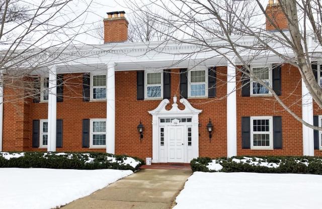 530 Devonshire Lane - 530 Devonshire Lane, Crystal Lake, IL 60014