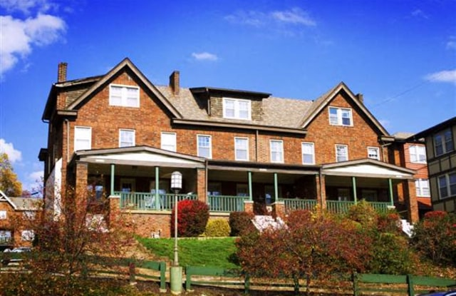 Forbes Terrace - 5703 Forbes Ave, Pittsburgh, PA 15217