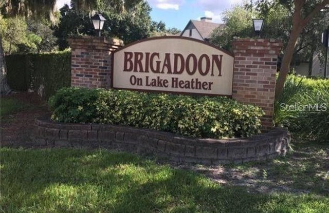 16588 BRIGADOON DRIVE - 16588 Brigadoon Drive, Lake Magdalene, FL 33618