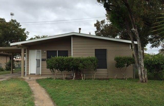 4251 WILD OAK DR - 4251 Wild Oak Drive, San Antonio, TX 78219