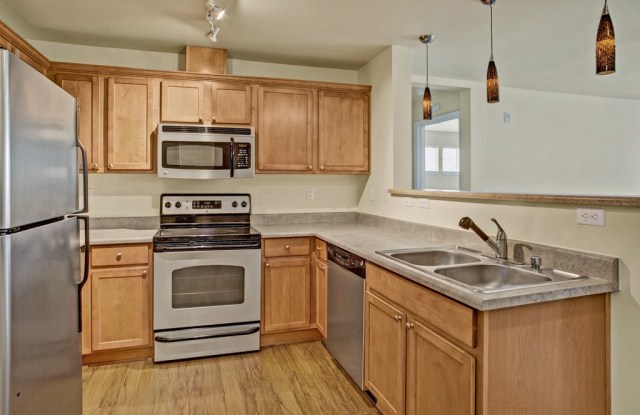 Forest Hills - 1311 N 175th St, Shoreline, WA 98133
