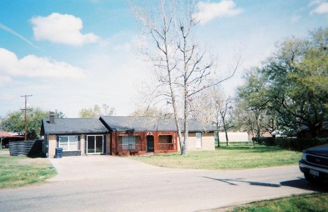 """8672 Cloverdale St - 8672 Cloverdale Drive, Jefferson County, TX 77705"""