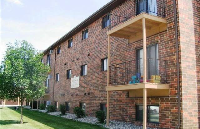 Cedars 4 - 1741 42nd Street Southwest, Fargo, ND 58103