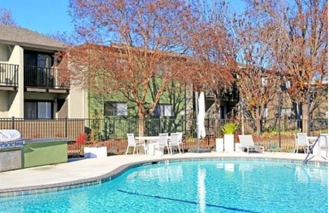 Riverside Villas - 2852 Paseo Rio Way, Sacramento, CA 95827
