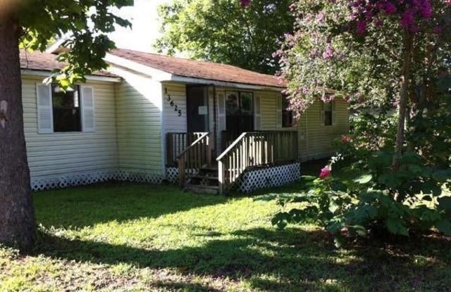13625 HOLLINGS ST - 13625 Hollings Street, Jacksonville, FL 32218