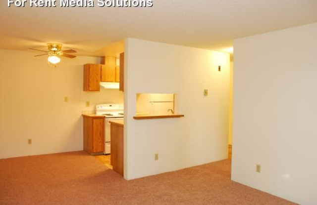 Spring Lake Apartments - 12528 35th Ave NE, Seattle, WA 98125