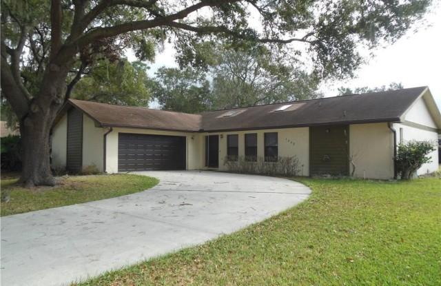 1408 TEAKWOOD DRIVE - 1408 South Teakwood Drive, Plant City, FL 33563