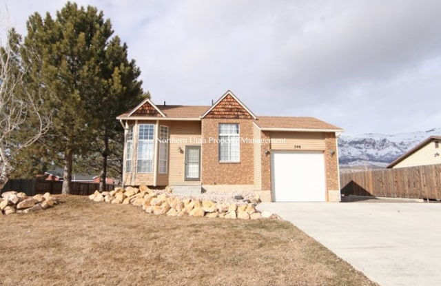546 W 2300 N - 546 West 2300 North, Harrisville, UT 84414