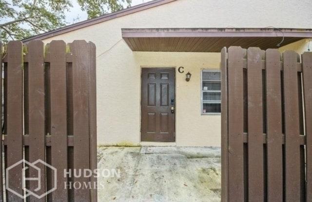 2011 Oleander Boulevard - 2011 Oleander Blvd, Fort Pierce, FL 34950