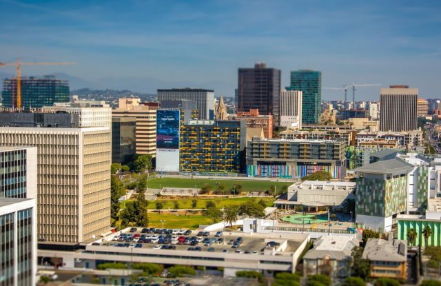 Ambassador Towers - 691 Irolo St, Los Angeles, CA 90005