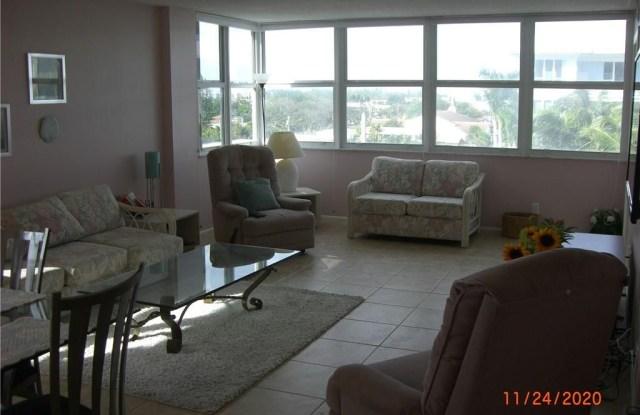 800 SE 20th Ave - 800 Southeast 20th Avenue, Deerfield Beach, FL 33441