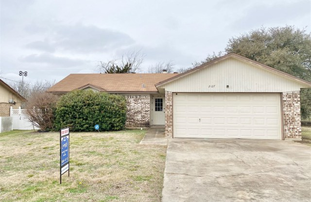 2127 Hidden Hill Dr - 2127 Hidden Hill Drive, Killeen, TX 76543