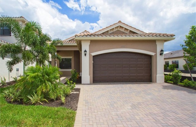 """""""10013 Windy Pointe CT - 10013 Windy Pointe Court, Fort Myers, FL 33913"""""""