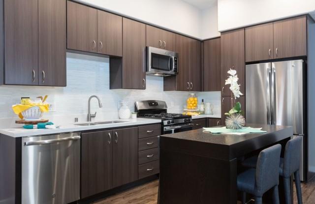 300 Railway Apartments - 300 Railway Avenue, Campbell, CA 95008