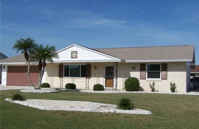 1414 N PEBBLE BEACH BOULEVARD - 1414 North Pebble Beach Boulevard, Sun City Center, FL 33573