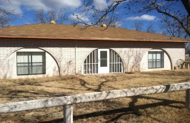 500 N Kilgore St - 500 North Kilgore Avenue, Roosevelt County, NM 88130