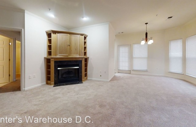 2931 Deer Hollow Way  Condo Unit 207 - 2931 Deer Hollow Way, Oakton, VA 22031