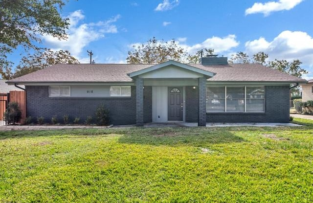 922 Sam Hill Street - 922 Sam Hill Street, Irving, TX 75062