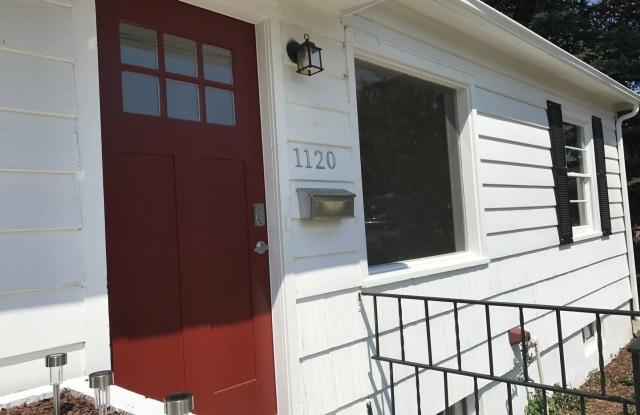 1120 E Columbia St - 1120 North Institute Street, Colorado Springs, CO 80903