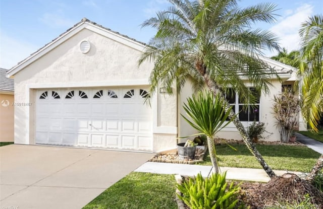 153 W Bayridge Dr - 153 West Bayridge Drive, Weston, FL 33326