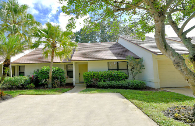 706 St Giles Court - 706 Saint Giles Court, Palm Beach Gardens, FL 33418
