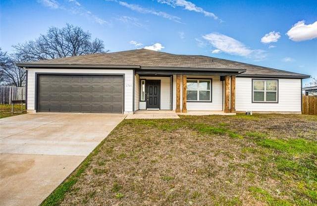 1705 Post Oak Court - 1705 Post Oak Court, Denton, TX 76209