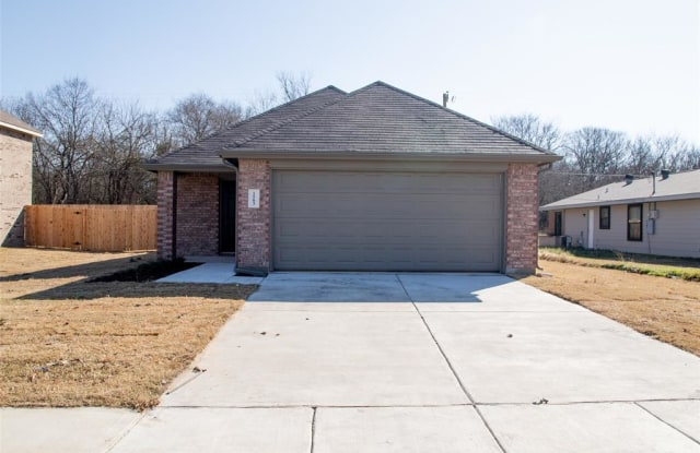 1503 Cardinal Drive - 1503 South Cardinal Street, Ennis, TX 75119